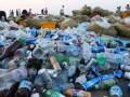 """韩国釜山海滩变""""垃圾场"""" 清洁工叫苦不堪"""